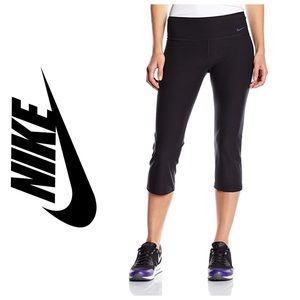 Nike Fit Dry Capri Workout Athletic Wear small